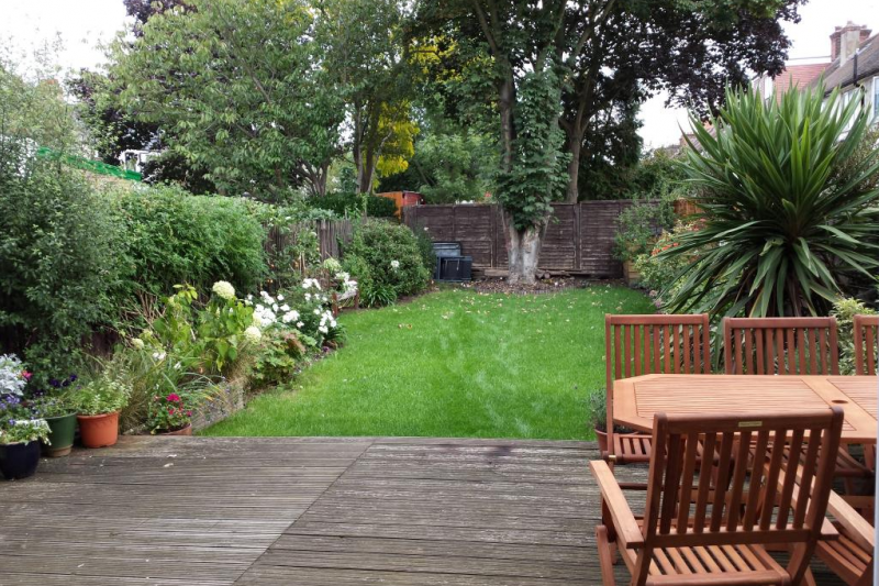 Gorgeous suburban house with lovely garden   Home for Exchange
