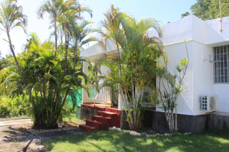 Villa avec jardin en bord de mer home for exchange - Jardin de bord de mer ...