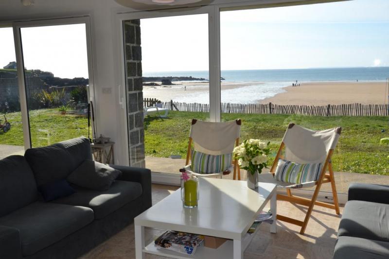 Maison au bord de la plage vue mer normandie home for exchange - Maison au bord de la mer malibu ...