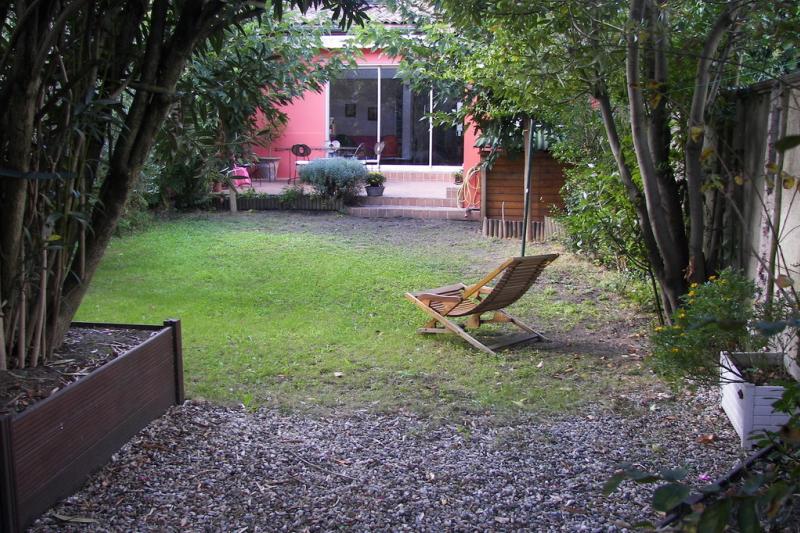 Dans bordeaux belle maison avec jardin home for exchange - Belles maisons bordeaux ...