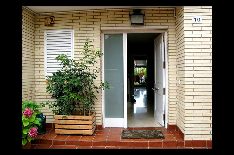 Casa con jardin y piscina cerca de barcelona home for - Casa con jardin barcelona ...