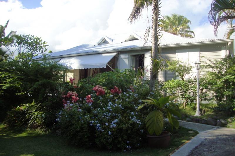 Maison Creole Dans Jardin Tropical A 200m De La Home For Exchange