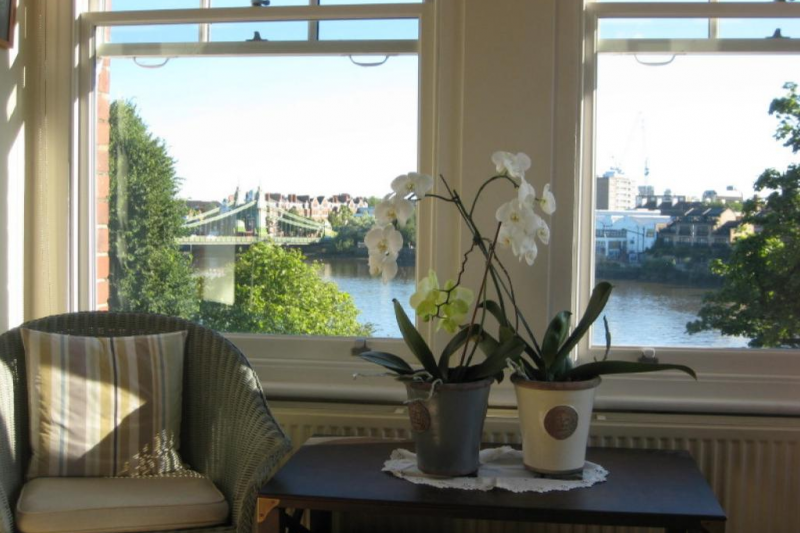 Riverside Apartment Near Central London Our View Or Prefer Cotswold Cottage
